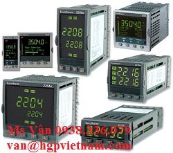 Eurotherm-Temperature-Controller_van